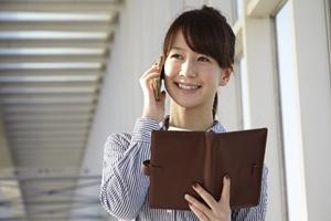 電話で仕事の連絡