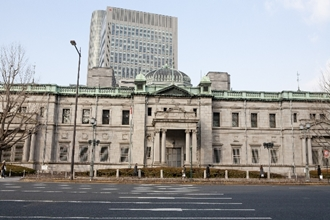 メガバンク・地方銀行の融資先は主に国債!銀行に預金するのは安全?