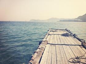 無人島の桟橋