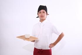 飲食店でアルバイト