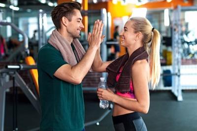 年収を上げるには運動と栄養の摂取が必須!【健康とお金の関係】
