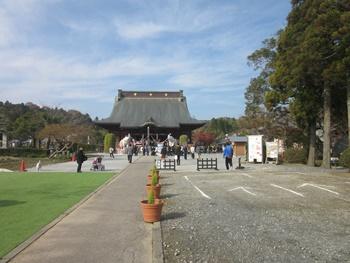 長福寿寺の境内