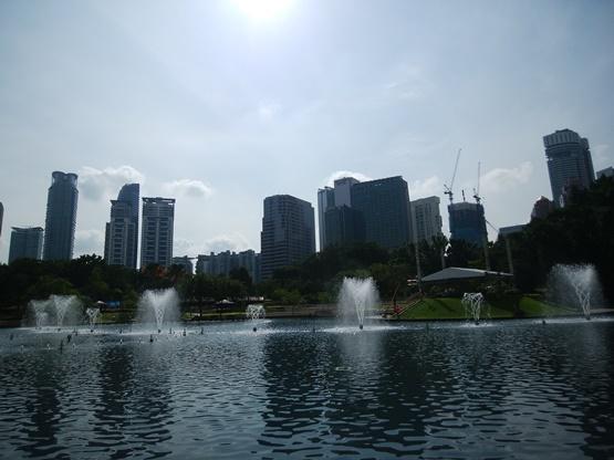 世界の年収400万を見ると、物価の安いマレーシアが最強!